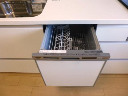 便利なビルトイン食洗機付き